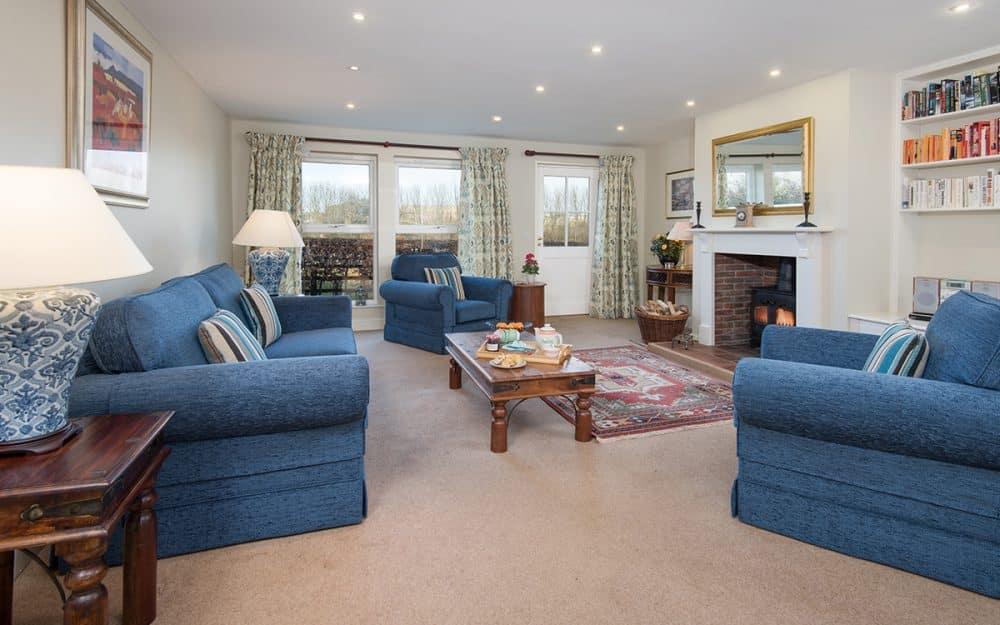 Luxury Sitting Room in Night Fold